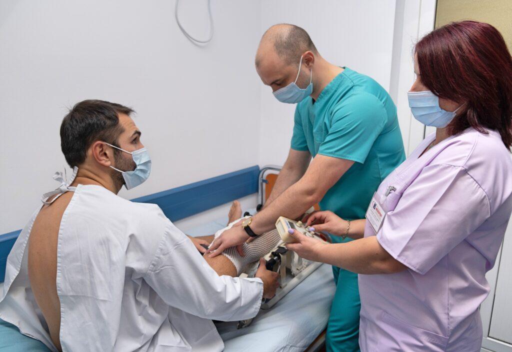 Operație menisc si ligament rupt